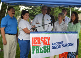 Photo of Farmers Market Week 2013 Proclamation - Click to enlarge