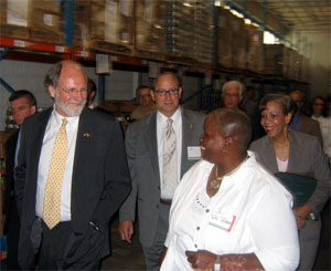 Photo of Governor touring Food Bank of SJ