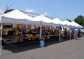 Photo of the West End Farmers Market - Click to enlarge