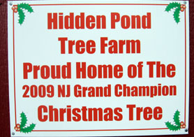 Photo of Hidden Pond Tree Farm sign - Click to enlarge