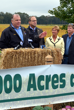 Photo of Senate President Steve Sweeney and Secretary Fisher at Farmland Preservation Announcement
