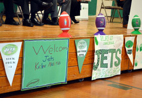Welcome signs for the NY Jets - Click to enlarge