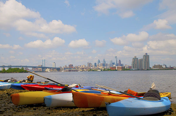 Delaware River Sojourn participants take a break before paddling to Philadelphia. Photo by the DRS Steering Committee.