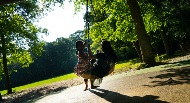 Photo: Kids on a tire swing