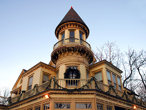 The Kuser Mansion awaits holiday visitors, Mercer County