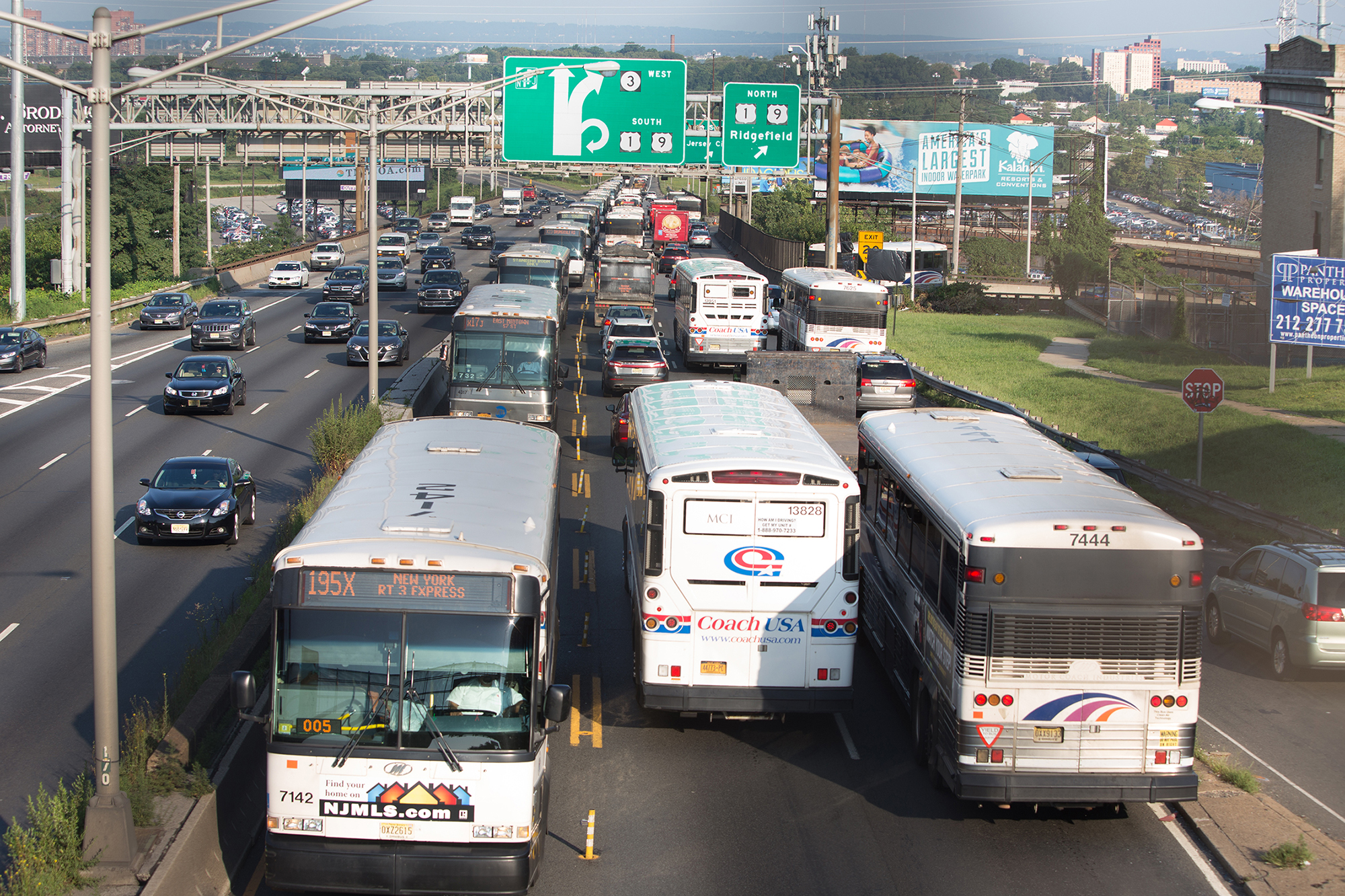 Lincoln Tunnel Exclusive Bus Lane (XBL) image